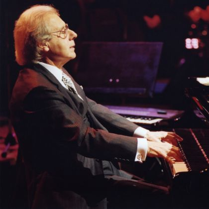 http://www.steinway.com/news/features/lalo-schifrin