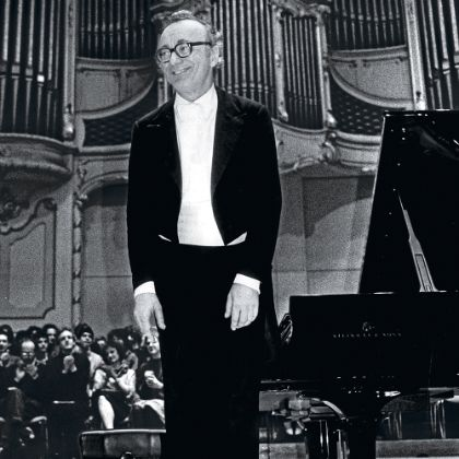 http://www.steinway.com/news/features/alfred-brendel-the-thinking-pianists-man