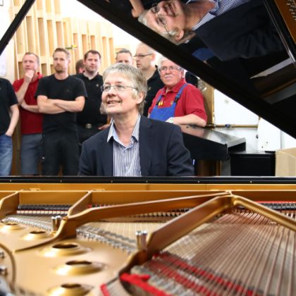 http://www.steinway.com/news/features/don-airey