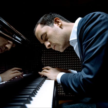 http://www.steinway.com/news/features/igor-levit-unscripted